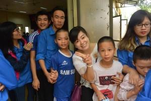 Thăm trung tâm phục hồi chức năng Việt-Hàn ngày 07/11/2015